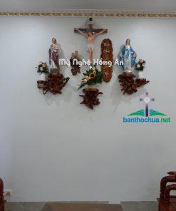 Bàn Thờ Chúa Phòng Khách Bằng Gốc Cây NK24