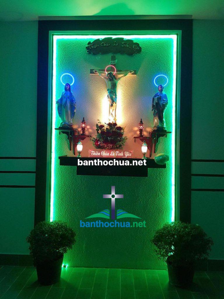 Mẫu Bàn Thờ Chúa Phòng Khách PK01